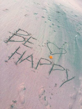 Be happy in Sand